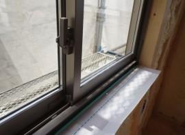 引き違い窓2