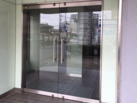 事務所 ガラス